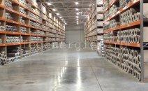 Промышленное внутреннее освещение складского комплекса